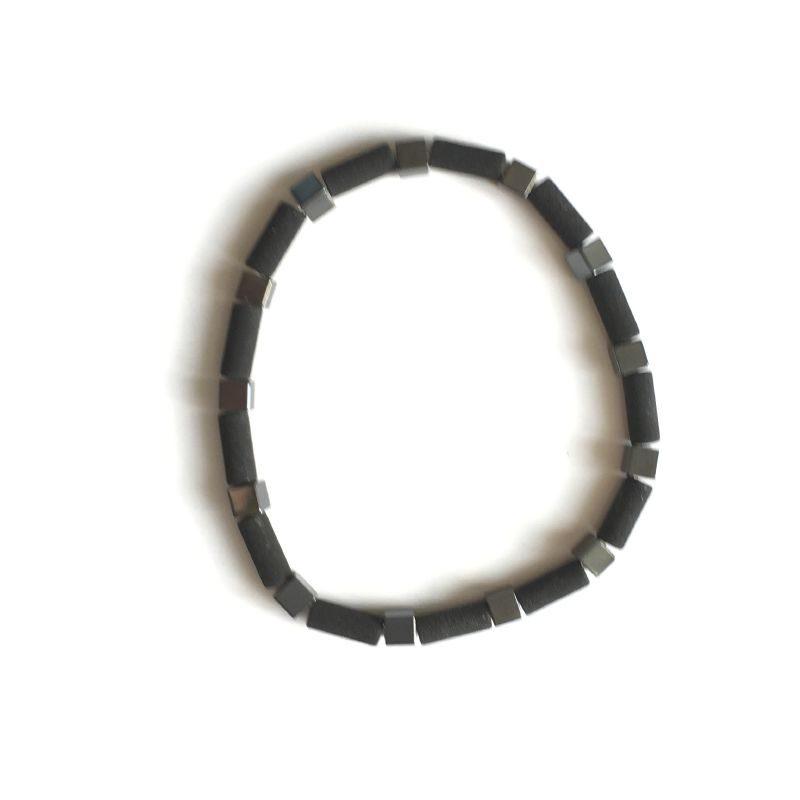 Bracelet composé de pierres et de perles de très bonne qualité