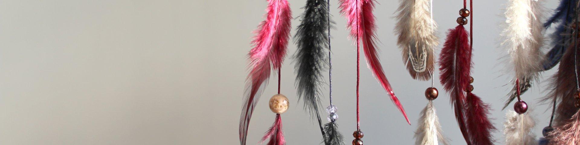 Déco plumes : bijoux boucles d'oreilles, colliers et sautoirs faits main