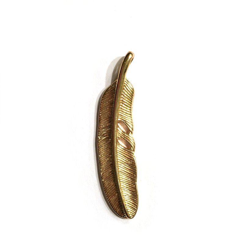 Pendentif métal en forme de plume