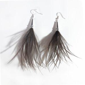 boucles-d-oreilles-plumes-autruche-naturelles-marron-glace-decoplumes
