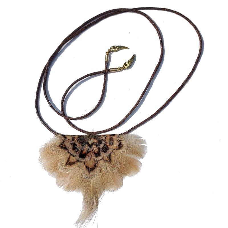 decoplumes-plastron-collier-plumes-naturelles