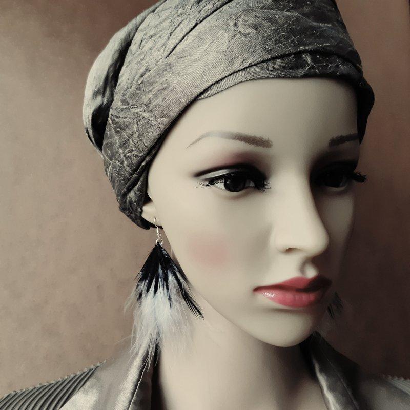 decoplumes-boucles-Andrea-cuir-et-plumes-noires-et-grises